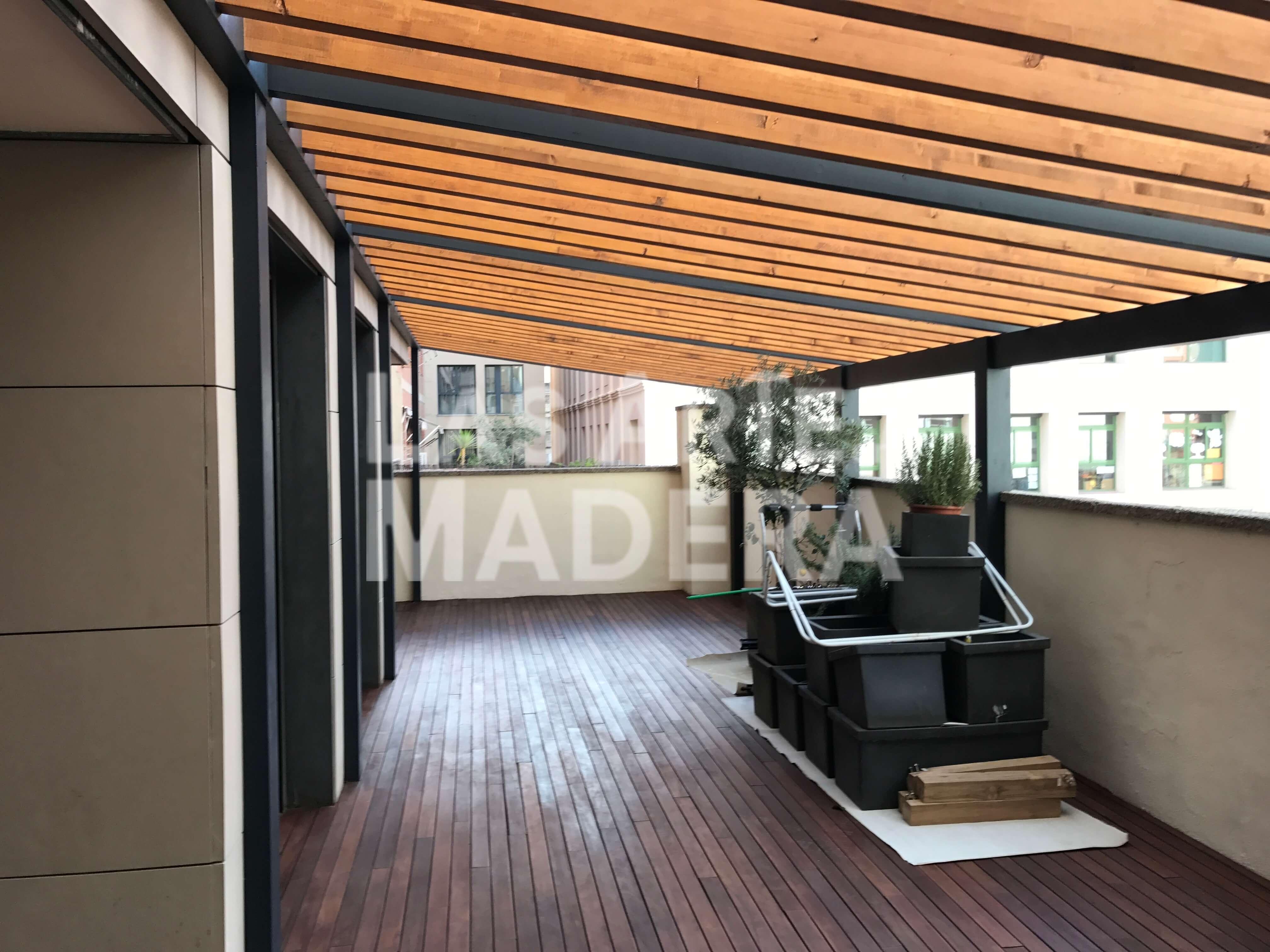 Construcci n de p rgolas de madera en barcelona - Construccion de pergolas de madera ...